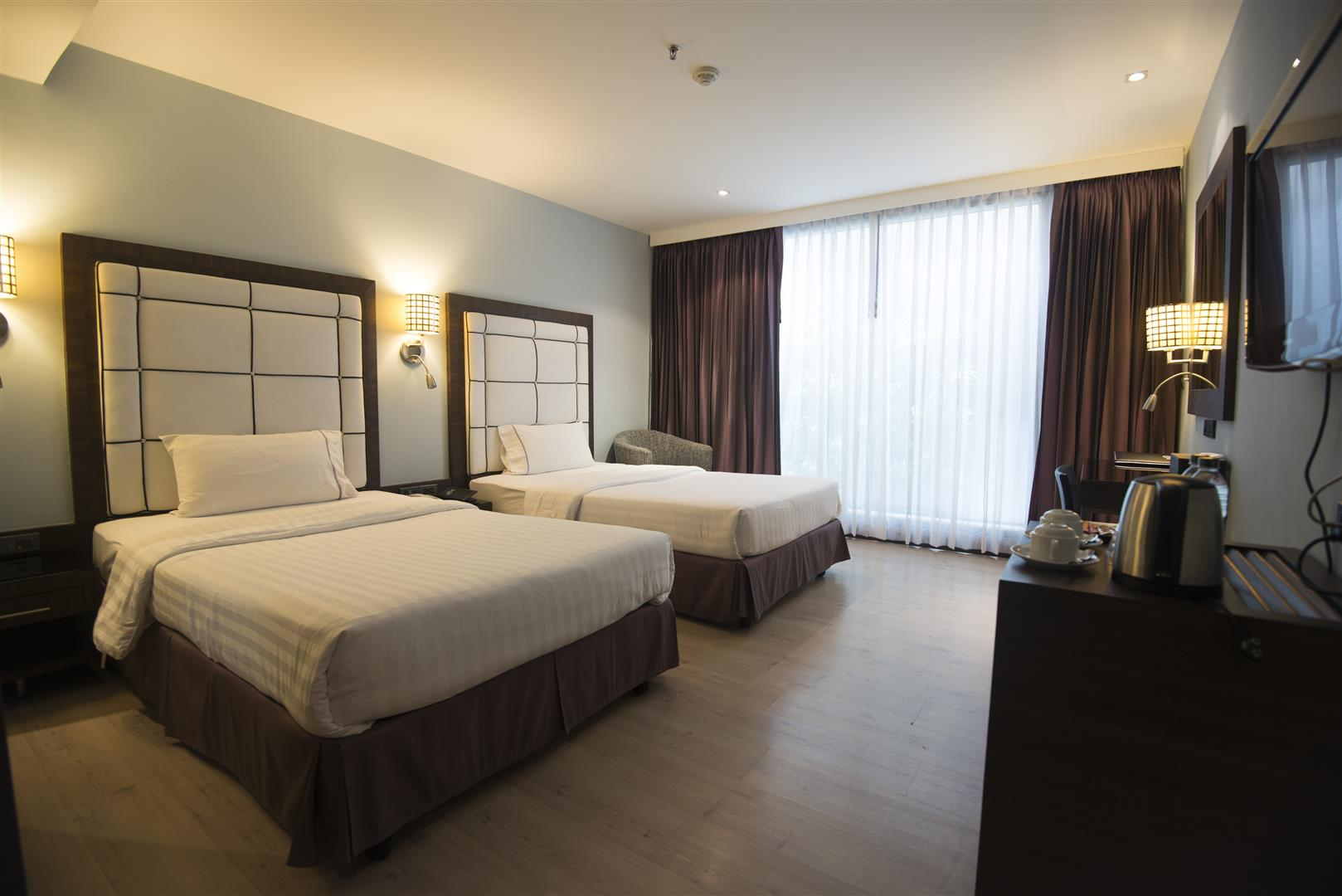 Sukhumvit Suites Hotel Twin Room
